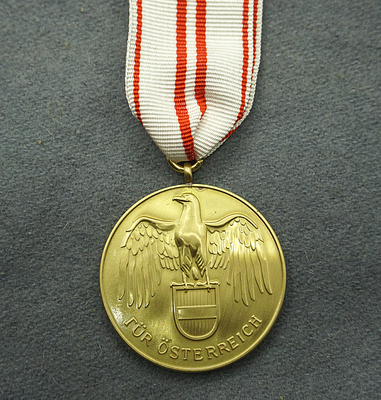 Austrian War Commemorative Medal 1914 - 1918